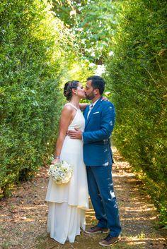 Happy Couple - @vweddingportuga #weddinginportugal #vintageweddinginportugal #vintagewedding #portugalwedding #weddingportugal #weddingsinportugal #myvintageweddinginportugal #rusticwedding #rusticweddinginportugal #thequinta #weddinginsintra