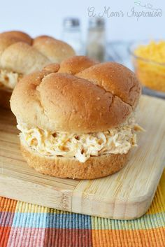 Instant Pot Crack Chicken is simple, easy and ready to be eaten in minutes when made in the Instant Pot. This is seriously the best Crack Chicken Recipe! Shredded Chicken Sandwiches, Chicken Sandwich Recipes, Shredded Chicken Recipes, Vegan Sandwiches, Crack Chicken, Instant Pot Pressure Cooker, Pressure Cooker Recipes, Pressure Cooking, Parmesan