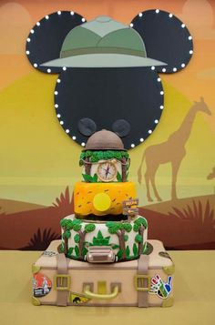 Safari Theme Birthday, Boys First Birthday Party Ideas, Safari Party, 1st Boy Birthday, 1st Birthday Parties, Minnie Safari, Unique Baby Shower Themes, Lion King Birthday, Safari Decorations