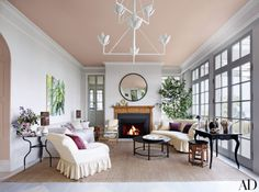 Jeffrey Bilhuber painted the ceiling F&B Setting plaster