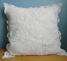 Cushions & pillows – Pure white crochet cushion cover – a unique product by nilla-style on DaWanda Crochet Cushion Cover, Crochet Pillow Pattern, Crochet Cushions, Knit Pillow, Cushion Covers, Crochet Afgans, Free Crochet, Cotton Crochet, Crochet Doilies