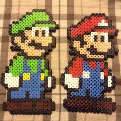 Résultat d'images pour mario bros pearler beads Perler Beads, Perler Bead Mario, Fuse Beads, Perler Bead Templates, Pearler Bead Patterns, Perler Patterns, Mario Bros, Modele Pixel Art, Pixel Beads