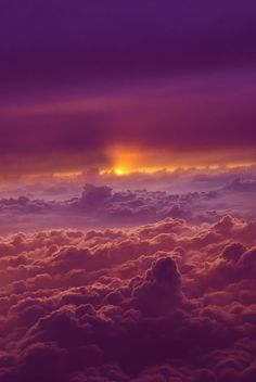Sunset above the clouds - I love clouds even more than I love mountains. Check out these 9 beautiful cloud photographs.