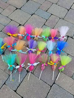 Items similar to Troll pops party favor 36 pack. Put your hair in the air with these cute party favors. Made in any color combinations, just ask! This listing is for a 12 pack of assorted c… Festa do trolls Arts And Crafts Ideas Trolls Birthday Party, Troll Party, 3rd Birthday Parties, Unicorn Birthday, Unicorn Party, Birthday Party Decorations, Party Themes, Birthday Gifts, 2nd Birthday