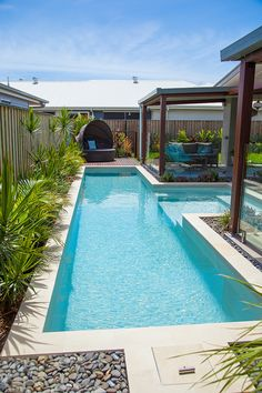 Backyard swimming pool ideas What is the best backyard pool.How do I decorate my backyard with a pool. Where should I put my pool. Amazing Swimming Pools, Small Swimming Pools, Small Backyard Pools, Backyard Pool Designs, Small Pools, Swimming Pools Backyard, Pool Spa, Swimming Pool Designs, Backyard Patio