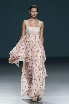 Sitka Semsch - Pasarela Mercedes-Benz Fashion Week Madrid ... primavera/verano 2014