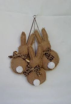 Make your home decorated for the Easter egg hunt ! - Make your home decorated for the Easter egg hunt ! Decorative Easter bunny theme pendant, can be - Hoppy Easter, Easter Bunny, Easter Eggs, Easter Projects, Easter Crafts For Kids, Spring Crafts, Holiday Crafts, Burlap Crafts, Burlap Projects