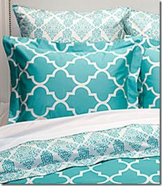 Love these linens - Turquoise and white quatrefoil