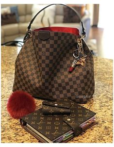 Sac Speedy Louis Vuitton, Louis Vuitton Taschen, Louis Vuitton Designer, Louis Vuitton Neverfull Mm, Designer Bags, New Louis Vuitton Handbags, Louis Vuitton Luggage, Louis Vuitton Shoulder Bag, Designer Handbags