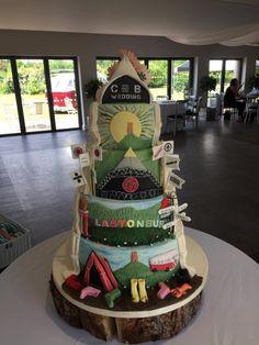 Glastonbury Festival themed reveal wedding cake by Iced Images Cakes (Karen Ker) Cake Festival, Festival Wedding, Food Festival, Festival Party, Themed Wedding Cakes, Themed Cakes, Ciara Birthday, Mum Birthday, Creative Cakes