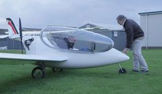 Aviones híbridos que se recargan en medio del aire.