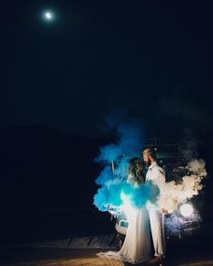 Colourful smoke bombs are the coolest new wedding trend on Instagram | Metro News