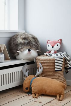 This season, cute little animals and forest motifs are main trends in kids room decoration. Kids Play Spaces, Cool Kids Rooms, Baby Bedroom, Kids Bedroom, Bedroom Decor, Kids Room Accessories, Hedgehog House, Modern Playroom, Hm Home