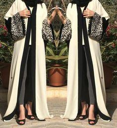 Modest wear abaya and also fashionable! Arab Fashion, Islamic Fashion, Muslim Fashion, Modest Fashion, Fashion Outfits, Modest Wear, Modest Outfits, Gilet Kimono, Hijab Abaya