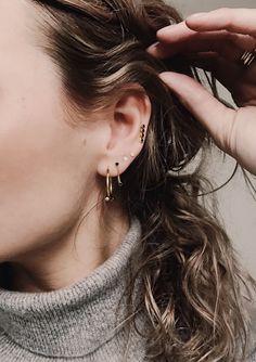 Onyx eargear