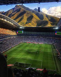"203.5 mil Me gusta, 859 comentarios - Visubal • Football Soccer (@visubal) en Instagram: ""What a view! Monterrey's new stadium is insane!  #TheBeautifulGame #Mexico via @aahmm"""