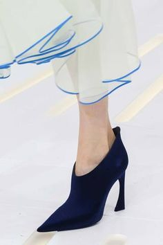 Christian Dior Fall 2014 Couture Collection Slideshow on Style.com