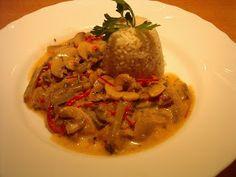 KataKonyha: Uborkás gombaragu Rage, Spaghetti, Beef, Chicken, Ethnic Recipes, Food, Meat, Essen, Meals