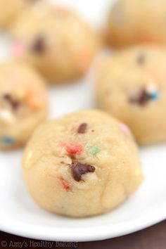 Chocolate Chip Cookie Dough Bites -- secretly skinny & 100% safe to eat raw!