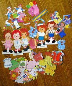 Raggedy Ann & Andy paper dolls.