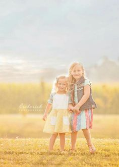 Sibling poses| Illinois child photographer
