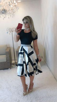 Vestido Midi c/Renda - Valerie Autumn Fashion Casual, Fall Fashion Outfits, Modest Fashion, Simple Fall Outfits, Classy Work Outfits, Modest Dresses, Casual Dresses, Sunmer Dresses, Secretary Outfits