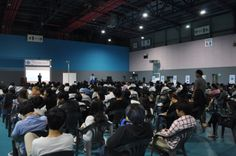 [5/27] 2014 Creative Job Fair 개막식 특강이 진행되고 있는 모습입니다. 아침부터 많은 구직자들이 참여를 해 주셨습니다.