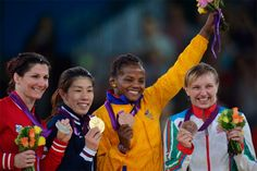 Por segunda vez demostraste en los #olimpicos que eres de las mejores del mundo. #MedallaDeBronce Gracias #JackelineRenteria, ahora haces historia en el #Deporte del #Colombia