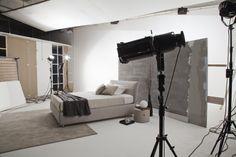 Il letto Design lo produciamo sia in versione letto contenitore che contenitore con doppio movimento