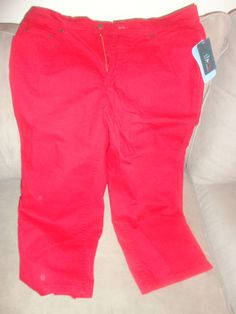 Womens New Denim & Co. Red 3/4 length pants size 18W. Find me at www.dandeepop.com