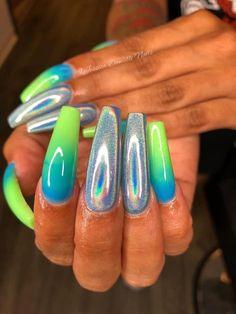 Semi-permanent varnish, false nails, patches: which manicure to choose? - My Nails Aycrlic Nails, Glam Nails, Bling Nails, Perfect Nails, Gorgeous Nails, Pretty Nails, Best Acrylic Nails, Summer Acrylic Nails, Pastel Nails