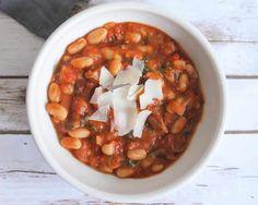 Ragoûts de haricots blancs au tomate avec thermomix. Voici une délicieuse recette de ragoûts de haricots blancs à la tomate, facile et simple a réaliser.