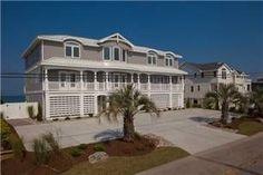 2744 Sandfiddler Rd: 10 BR / 9.5 BA House in Virginia Beach, Sleeps 30. House vacation rental in Virginia Beach from VRBO.com! #vacation #rental #travel #vrbo