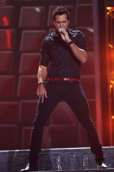 Just when I think Luke can't get any hotter! Holy Smoke!