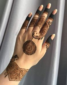 50 Most beautiful Kochi Mehndi Design (Kochi Henna Design) that you can apply on your Beautiful Hands and Body in daily life. Henna Hand Designs, Circle Mehndi Designs, Mehndi Designs Finger, Palm Mehndi Design, Floral Henna Designs, Mehndi Designs For Beginners, Mehndi Design Photos, Mehndi Designs For Fingers, Henna Tattoo Designs Simple