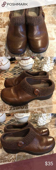 Dansko Size 39 Lovely clogs. Have a little scratchy right shoe. Dansko Shoes Mules & Clogs
