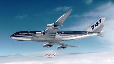 an her chase plane. Boeing 747 400, Jumbo Jet, Airbus A380, Airline Flights, Commercial Aircraft, Jets, Vehicles, House Colors, Airplanes
