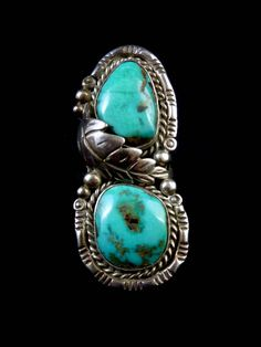 Knuckle-to-Knuckle Size 7.5 Vintage Navajo Sterling Silver Ring w 2 Bright & Beautiful Bisbee Turquoise Stones amid Fabulous Silver Work!