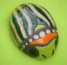 I want to make some beads like this!   Sian Alexander Ceramic: Bugs and Slugs