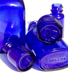bottles Antique Glass Bottles, Blue Glass Bottles, Cobalt Glass, Blue Bottle, Old Bottles, Glass Jars, Cobalt Blue, Perfume Bottles, Blue Dishes