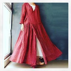 Found this on Pinterest, fell in loooove with it, and can't find anything close to a pattern for it. And yet I need one in dark green, one in purple, one in indigo, and one in dark brown. I guess I'll have to draft it myself! #sewing #patterndrafting #holdmybeer