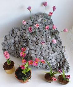 """Love the flowers but the """"rocks"""" are cool, never thought of this!"""