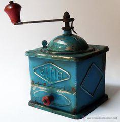 Kitchen Equipment, Le Moulin, Vintage Coffee, Vintage Kitchen, Ceramics, The Originals, Antiques, Origami, Home Decor