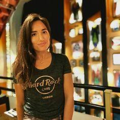 Fashion Blogger & PR (@lilianamiguezgarcia) • fotos e vídeos do Instagram Cool Rocks, Stick It Out, Lisbon, Hard Rock, Good Music, Street Style, T Shirts For Women, Blog, Instagram