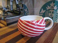 Starbucks Red White Ribbon ceramic mug 2013 Christmas CANDY CANE TWIST 12 oz