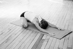 posizione-del-bambino-yoga