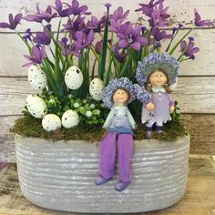 Christmas Window Decorations, Easter Table Decorations, Flower Decorations, Easter 2020, Easter Parade, Easter Flower Arrangements, Floral Arrangements, Arte Floral, Easter Wreaths