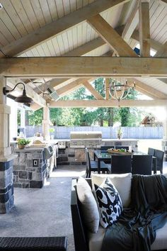 Outdoor KItchen - Transitional - deck/patio - Thompson Custom Homes