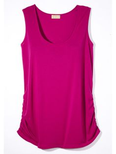 Ruched TankRuching on the sides of a top creates a tapered effect that accentuates the waist. Miss Tina by Tina Knowles Scoop Neck Ruched Tank, $17; Walmart.com for stores.  Read more: Clothes for Apple Shapes - How to Dress If You're Apple Shaped - Woman's Day