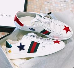 "👑 Hanna Isabelle 👑 on Instagram: ""Feeling like a Star ⭐️ So in LOVE with these @gucci sneakers 😻 Do you know how lucky I feel to have found them in my size? Any girl with…"" Gucci Sneakers, Feel Like, My Size, Converse, Feelings, Stars, Instagram, Sterne, Converse Shoes"